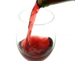 うつ病を予防するために少量のアルコールが有効